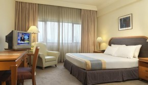 grand-seasons-hotel