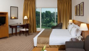 holiday-inn-glenmarie-hotel